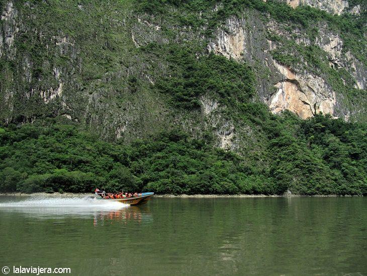 Navegando por el río Grijalva, Cañón del Sumidero