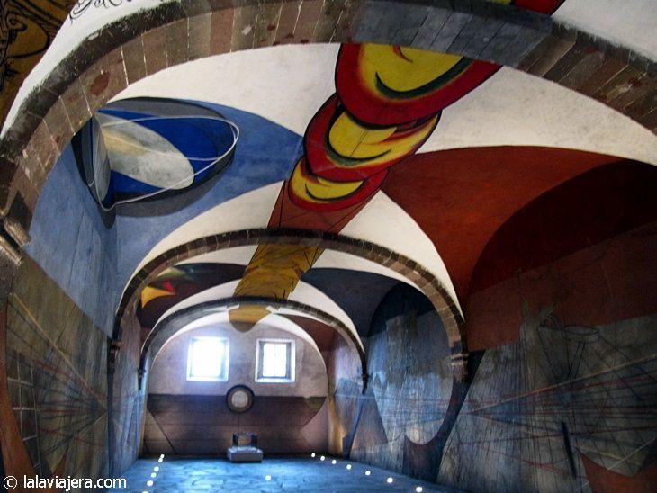 Sala de murales de David Alfaro, en El Nigromante, San Miguel de Allende