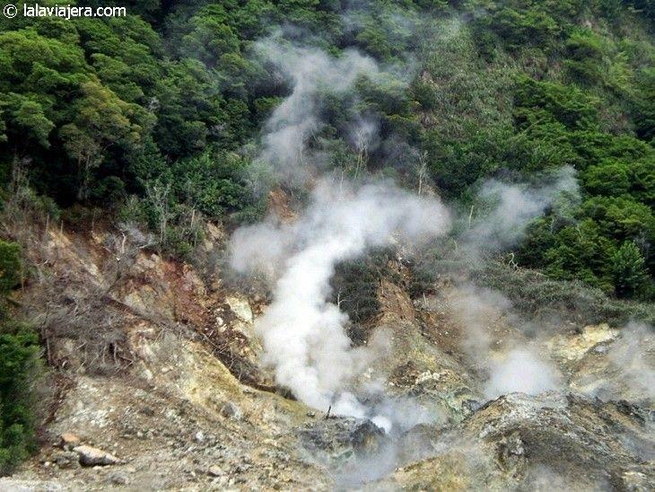 Sulfur Springs y cráter del volcán Soufriere, Santa Lucía