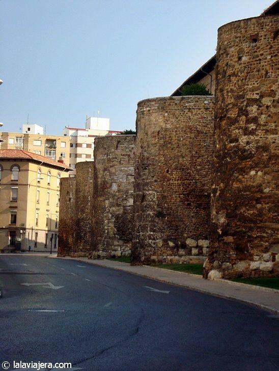 Murallas de León en la Avenida de los Cubos