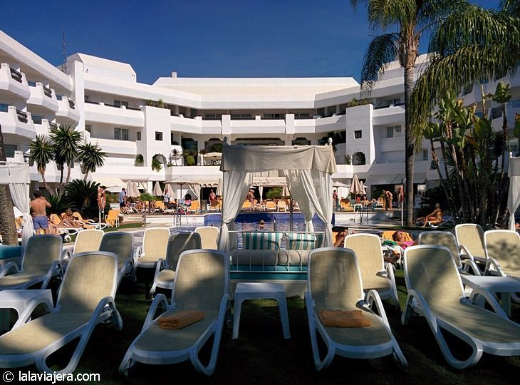 Piscina principal del hotel Iberostar Marbella Coral Beach