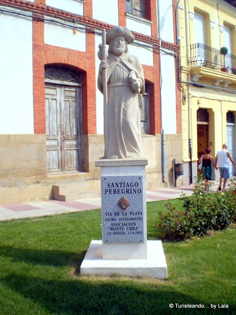monumento peregrino camino santiago la baneza