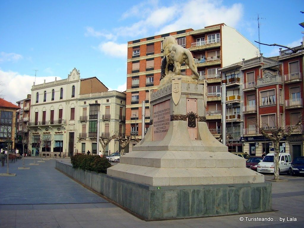 plaza santocildes monumento sitios leon
