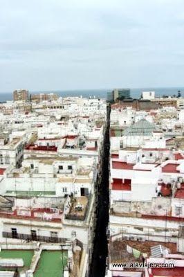Calle Sagasta, La Mas Larga Cadiz