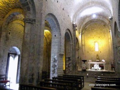 Interior Monasterio Santa Maria Alaon, Sopeira, Ribagorza