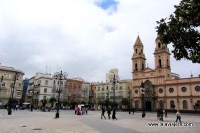 Plaza e Iglesia de San Antonio, Cadiz