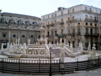Plaza y Fontana Pretoria, Palermo