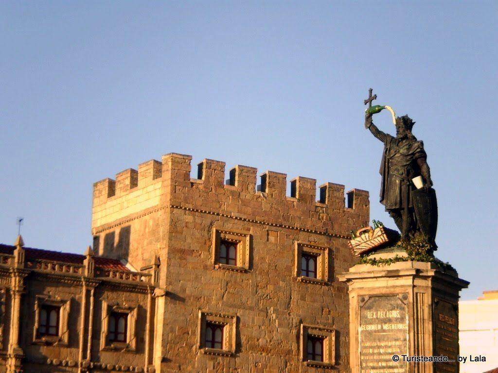 estatua rey pelayo, gijon