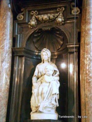 madonna Miguel Angel, Iglesia de Nuestra Señora, Brujas