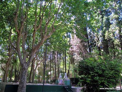 Monumento Pajaritas, Parque Miguel Servet Huesca