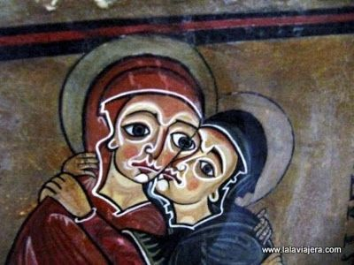 Pinturas Romanicas Monasterio Lluca Ojos Picasso