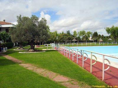 Valencia de don juan valencia de la o lala viajera for Horario piscinas valencia de don juan